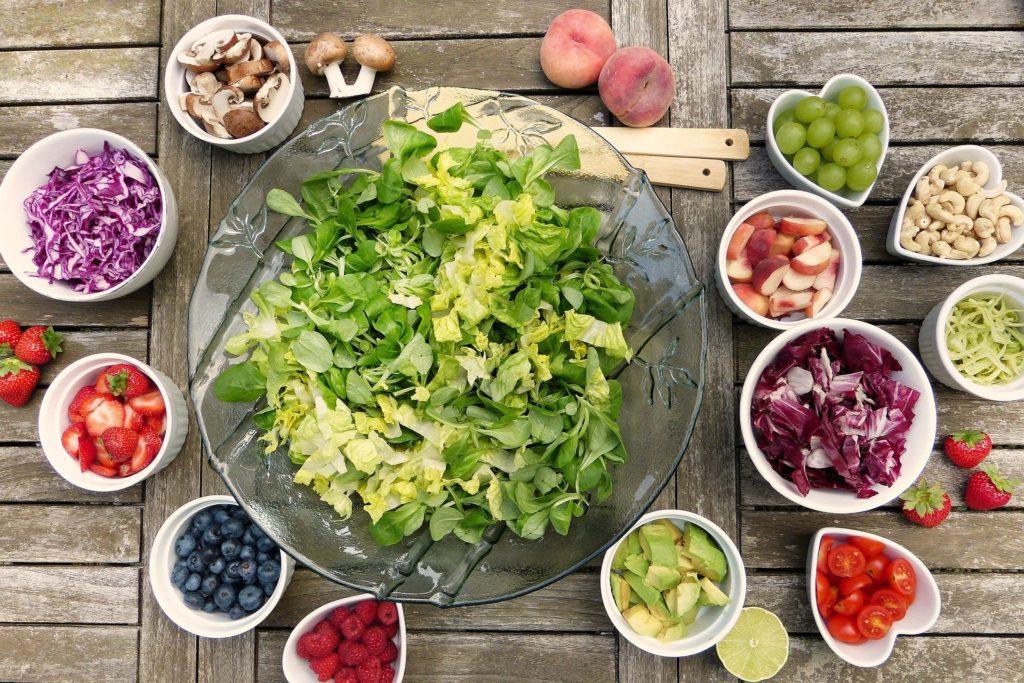 Ingrédients pour une salade végane